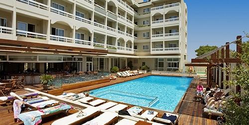 Athineon Hotel, Athineon Hotel  ****Griekenland - Rhodos - Rhodos-Stad400 meter van het oude centrumKwalitatief hoogstaand restaurantGezellige poolbarRuime appartementenOntbijt of halfpension bij te boekenExtra gegevens:Bestemmingsnaam: Athineon HotelAccommodatietype: HotelVertrekdatum: 2021-08-07Land van bestemming: GRPlaats van bestemming: Rhodos-StadAantal dagen: 8